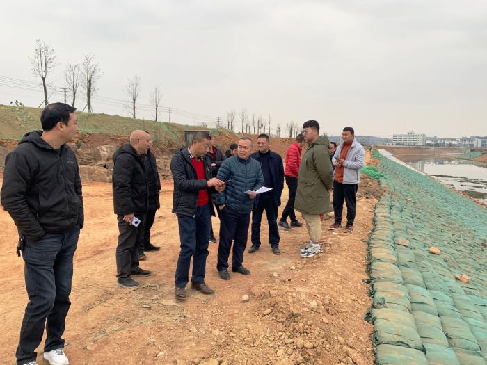 总经理刘士筠带队检查草溪河综合整治工程建设